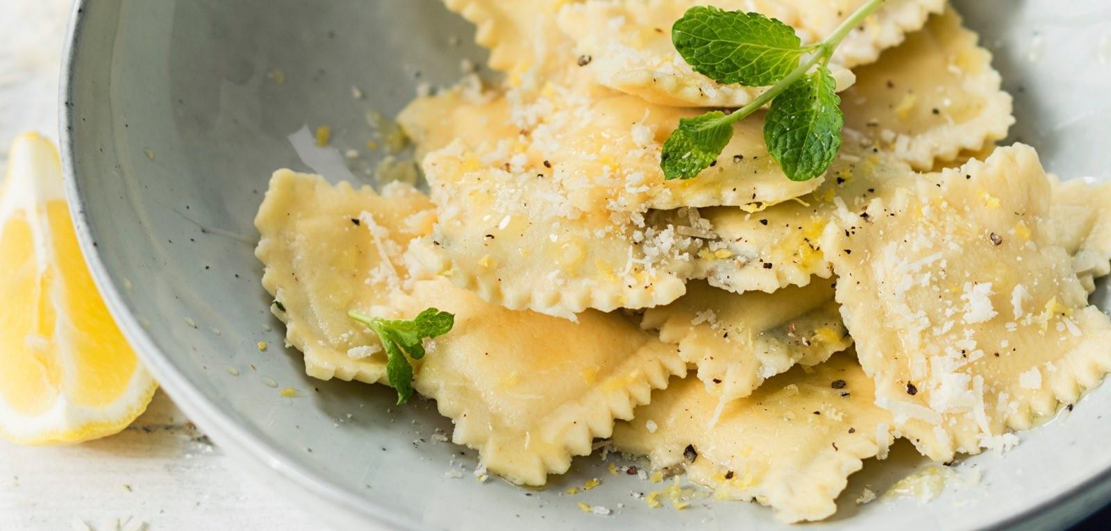 Ricetta Ravioli Kitchenaid.Ravioli Di Quinoa E Melanzana Con Menta Ricette Sito Ufficiale Kitchenaid